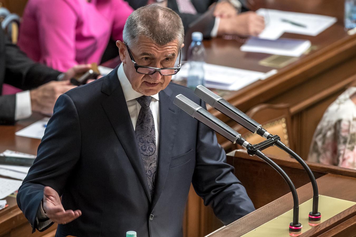 De Tsjechische minister-president Andrej Babis tijdens de vertrouwensstemming in het parlement.