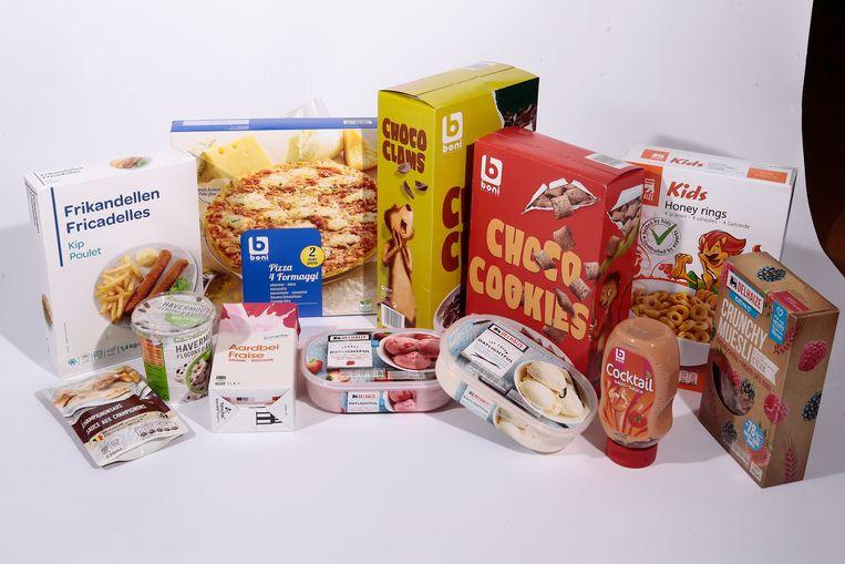 60 miljoen klontjes. Die berg suiker hebben de drie grote supermarkten Delhaize, Carrefour en Colruyt het voorbije jaar uit hun huismerken gehaald.