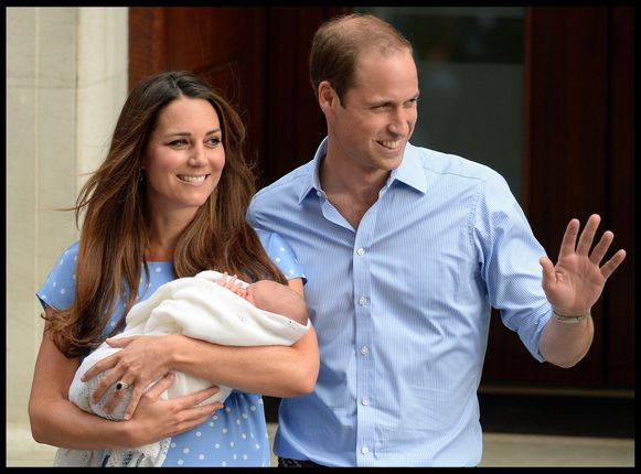 Het moment waarop de royals hun pasgeboren baby tonen is nochtans een traditie aan het Britse hof.