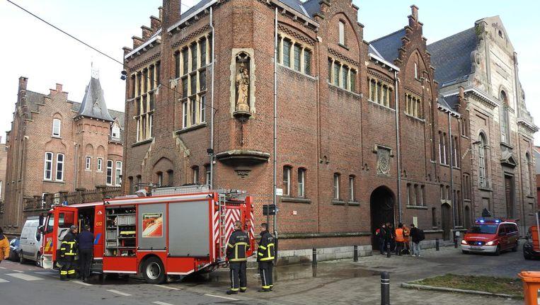 De brandweer kon de brand in de kelder van het historische gebouw gelukkig snel blussen.