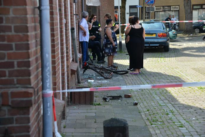 Buren na de aanrijding aan de Lindestraat.
