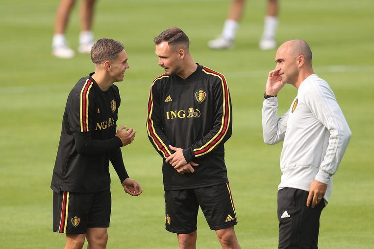 Martínez met twee van zijn nieuwe jongens, Trossard en Verstraete.