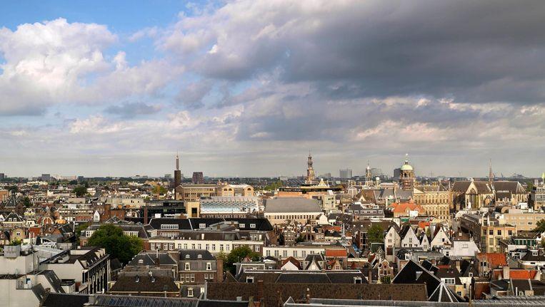 De nieuwe warenhuizen aan het Rokin pronken in de skyline van de stad Beeld Kees Hummel