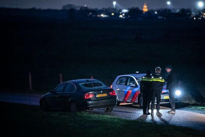 Er sneuvelde een autoruit bij de schietpartij op de Loowaard in Loo.