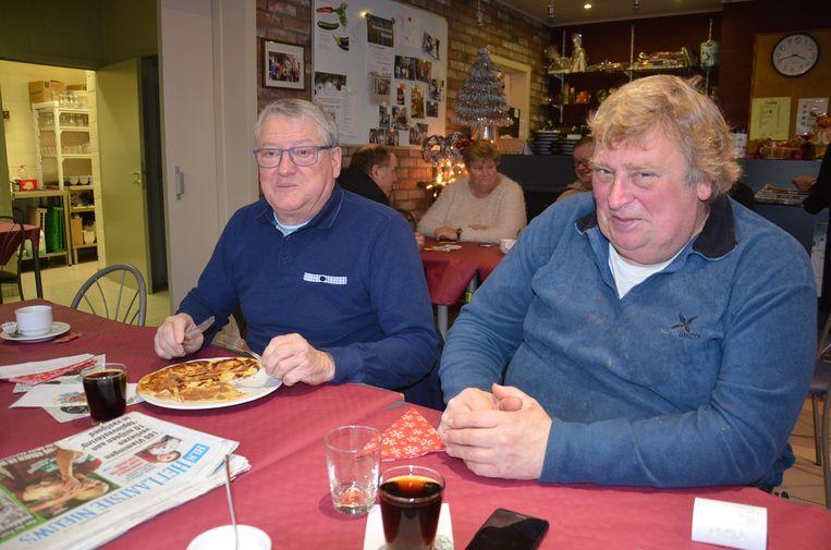 Stefaan Van De Kerckhove van Teledienst Ninove en Benny Schaillee tijdens de kerstbabbel bij Teledienst Ninove.