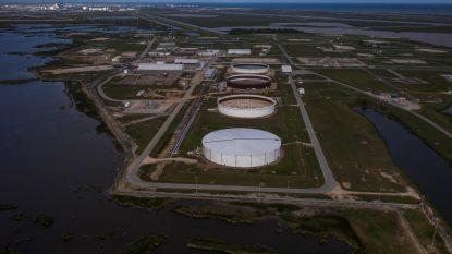 Olieprijzen dalen verder, situatie op markt blijft onveranderd kritiek