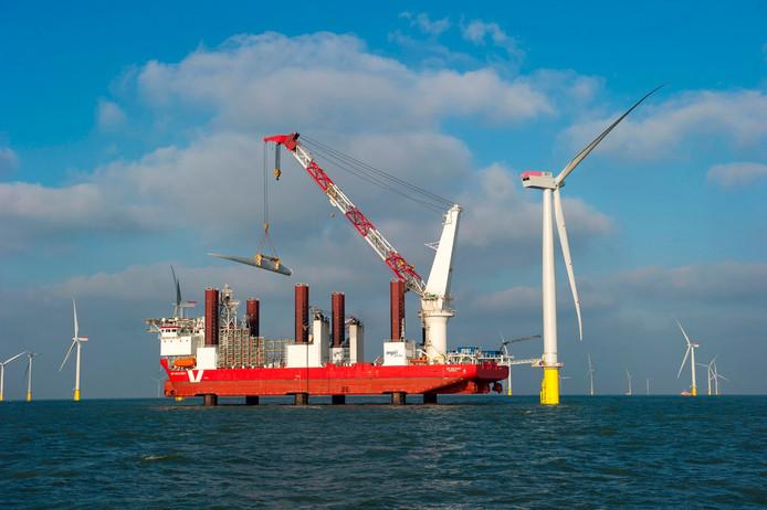 Vroon bouwt aan windmolenpark op de Noordzee.