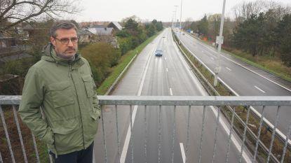 """Buurt hekelt beslissing stadsbestuur: """"Verlaning A10 geen prioriteit? Welke stad in België kan je nog met 120 per uur binnenvlammen?"""""""