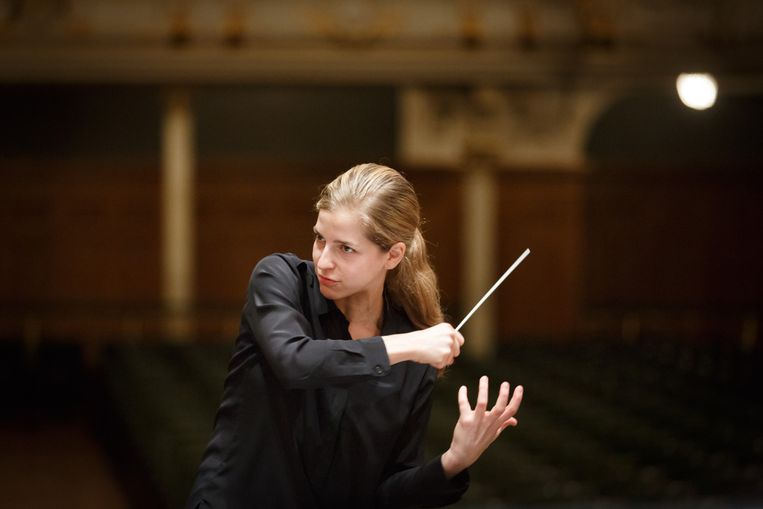 Karina Canellakis Beeld