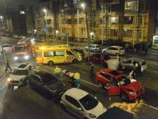 Drie gewonden bij zware autocrash Leyweg