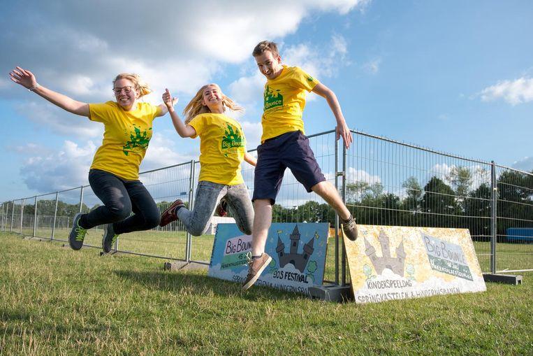 Kato Coppens, Clara Dupont en Merlijn Coppens organiseren Big Bounce.