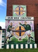 Een schildering in de wijk Sandy Row in Belfast.