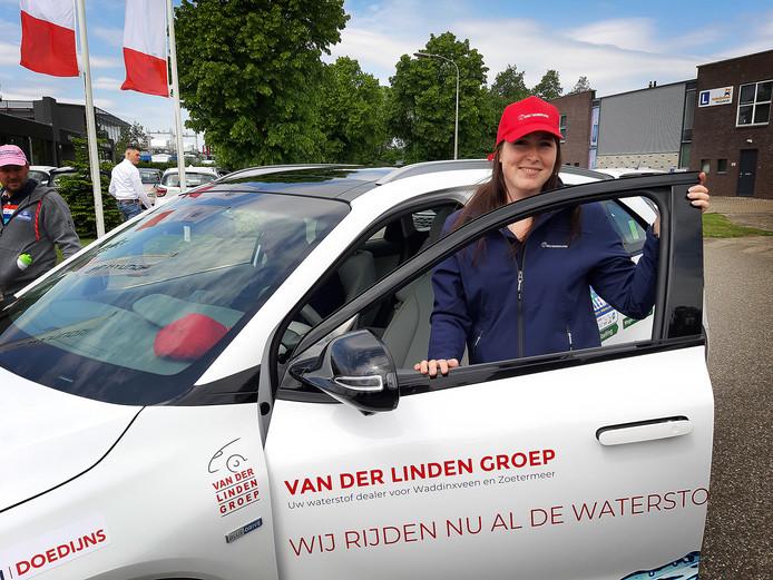 Nina Vink uit Bodegraven doet mee aan de Waterstof Challenge door Europa.