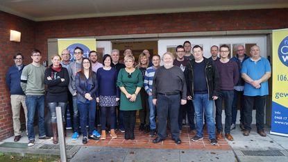 Medewerkers Radio Molenland vieren overgang naar Radio Oost West