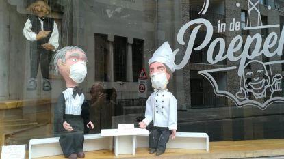 Marionetten met mondmasker maken sluiting In De Poepekas duidelijk