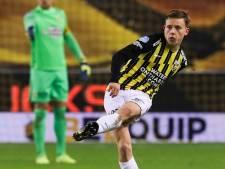 Enzo Cornelisse 'pakt' erfenis van Bazoer: puik visitekaartje bij debuut in basis Vitesse