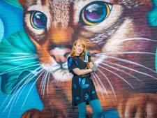 Vogels en een kat sieren muren van De Poeljeugd: 'Dieren geven zo'n gebouw een gezicht'