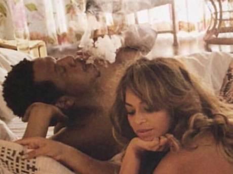 Beyoncé en Jay-Z poseren volledig naakt in fotoboek