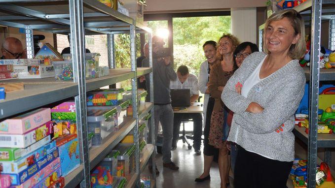 Minister Crevits bezoekt Speel-o-theek