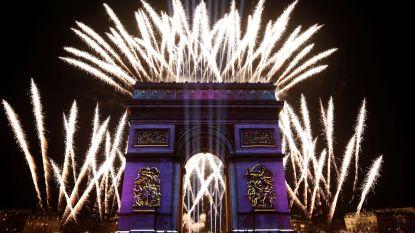 Vuurwerk boven Parijs op nationale feestdag maar zonder publiek