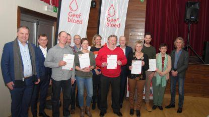 Rode Kruis zet verdienstelijke bloedgevers in de bloemetjes