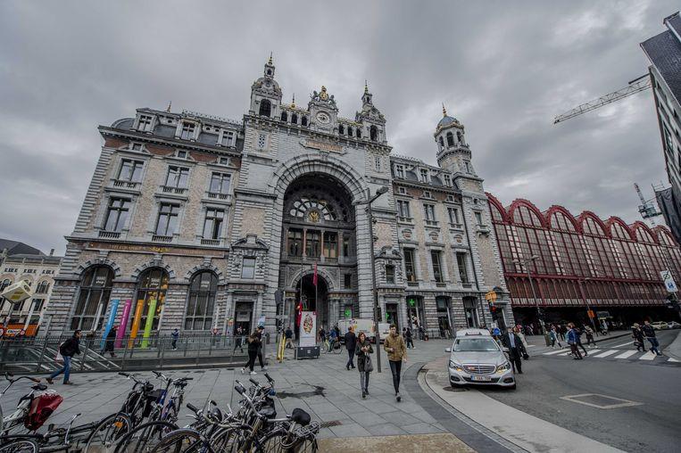 Het station van Antwerpen-Centraal.