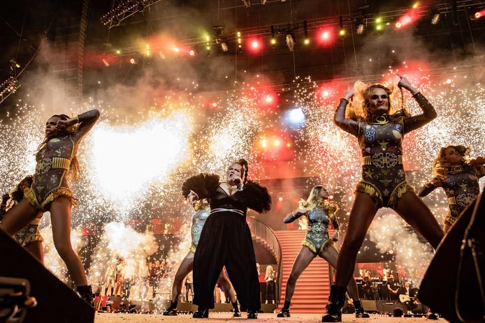 Het optreden van Netta tijdens het Grote Songfestivalfeest.
