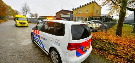 Vier gewapende mannen overvallen autogarage in Hapert, een persoon naar ziekenhuis