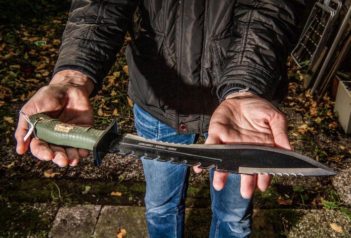 Ouders van Rotterdamse jeugd moeten straks duizenden euro's dokken als hun kind tot twee keer toe wordt betrapt met een mes.