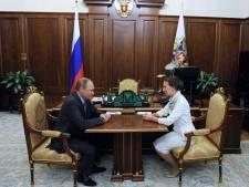 Poutine limoge un délégué embarrassant