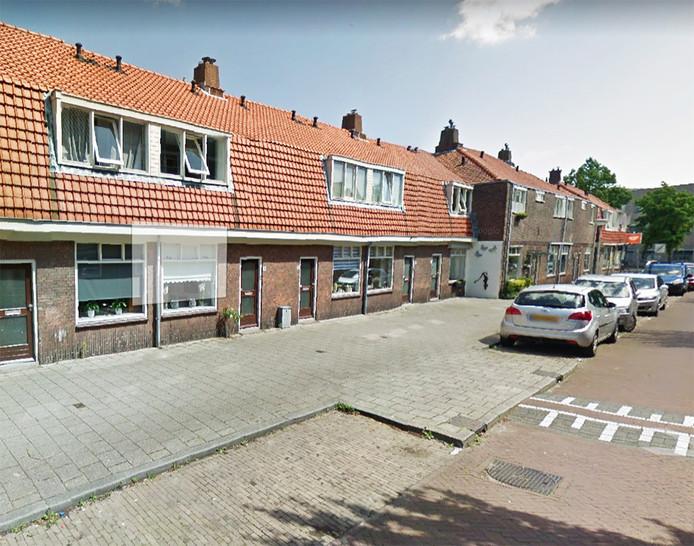 Veel van de woningen in de Prins Mauritsstraat worden studentenwoningen, klaagt de buurt.