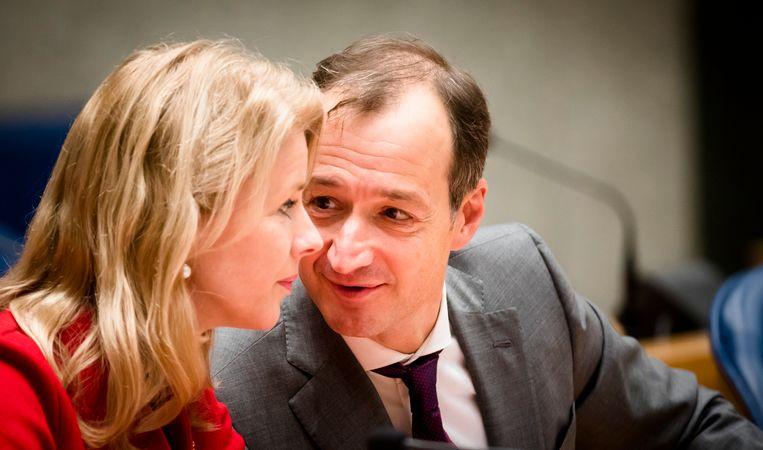 Staatssecretaris Mona Keijzer (CDA) en minister Eric Wiebes van Economische Zaken. Beeld ANP