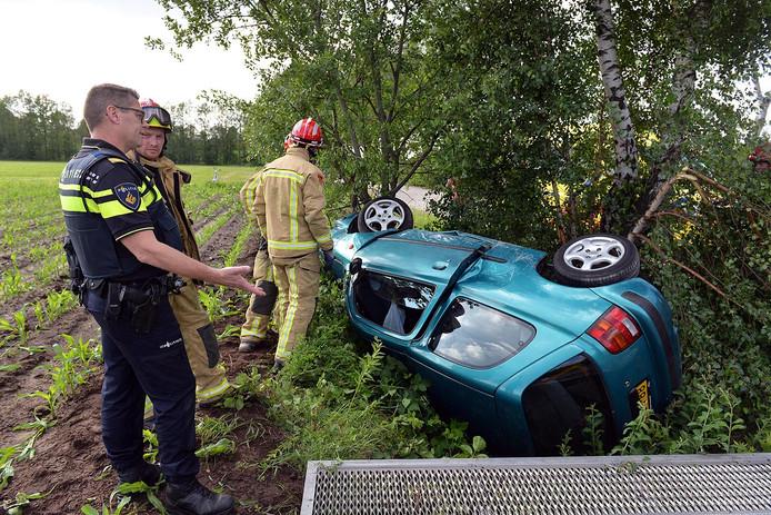 Automobiliste belandt met auto in de sloot in Eersel
