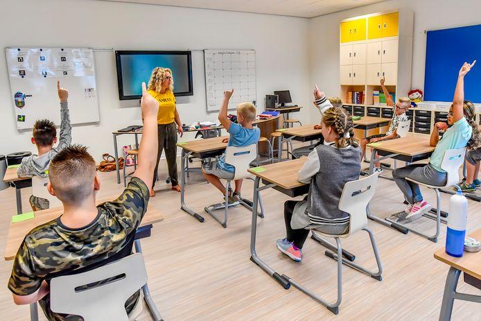 Eerste dag voor nieuwe school De Sponder en De Fakkel in Roosendaal. Foto: Peter Braakmann / Pix4Profs-