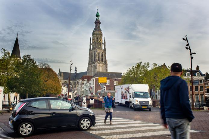 Het zebrapad aan de Nieuwe Prinsenkade in Breda.