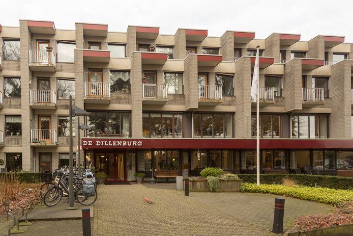 Het leegstaande woonzorgcentrum De Dillenburg in Ermelo wordt ingericht als noodhospitaal.