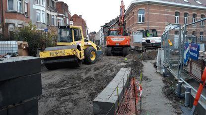 Grote Nieuwedijkstraat krijgt pas einde maart asfalt