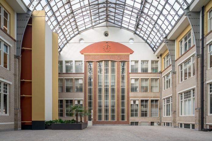 West507, het voormalig Stokvisgebouw aan de Westzeedijk, is opgeleverd. De eerste bewoners zijn verwelkomd.