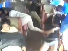 Busongeluk in China van binnenuit gefilmd