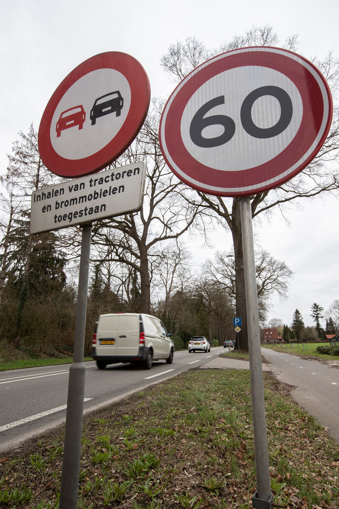 Het bordje 60km is inmiddels alweer verdwenen tussen Eefde en Gorssel op de N348. De proef met de verlaging van de snelheid is eind vorige maand afgelopen. Nu zal moeten blijken hoe het verder moet op dat wegtraject. De provincie heeft daar als wegbeheerder een belangrijke stem in.