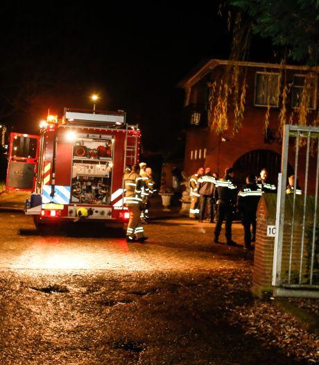 Twaalf mensen even op straat na brandmelding bij seksclub Villa Weizigt