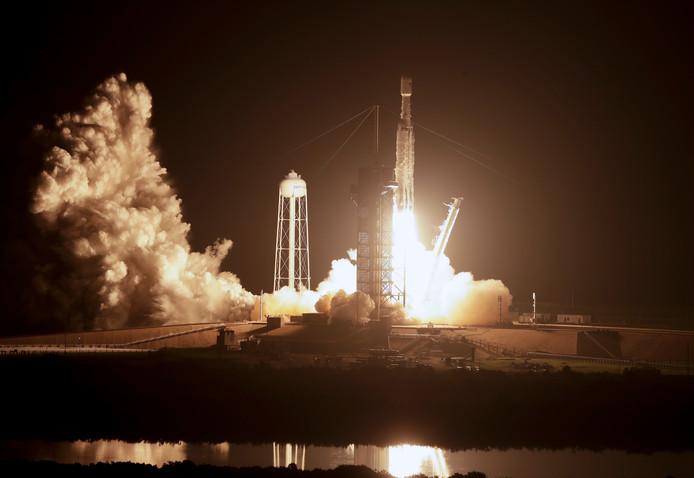 Het was de eerste keer dat het Amerikaanse leger een plek aan boord van de Falcon Heavy boekte.