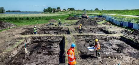 Restanten eeuwenoude nederzetting gevonden in Amsterdam