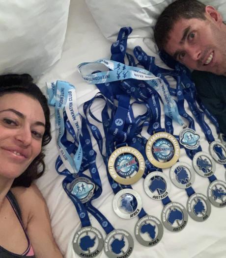 Gelukt! Kersvers bruidspaar rent 7 marathons in 7 dagen: 'Nu heerlijk slapen'