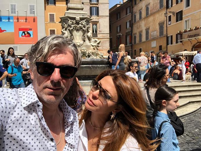 Ruud en Olcay tijdens een liefdestripje in Rome.