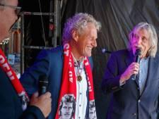 Kees Kist is weer vrienden met Johan Derksen, nota bene op zijn eigen feestje in Steenwijk