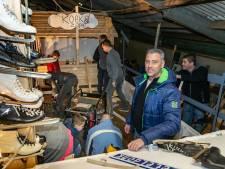 Ouders bouwen de carnavalswagen van basisschool De Vlieger 2 uit Zwolle, 'maar de kinderen zijn net zo enthousiast'