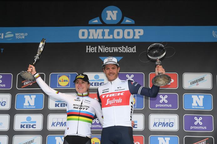 Stuyven met Annemiek van Vleuten, de winnares bij de vrouwen.