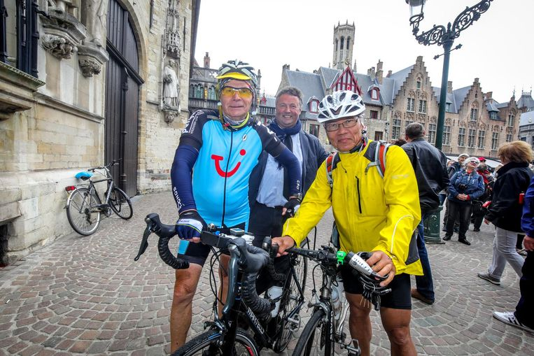 Roland Hurtecant met ereconsul van Wit-Rusland Filip Vandenbroele en zijn Japanse fietsvriend Yoshio Okada.