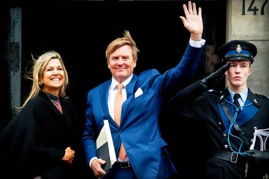 Koning Willem-Alexander, koningin Máxima en hun dochters, de prinsessen Amalia, Alexia en Ariane, hebben een nieuw onderkomen.